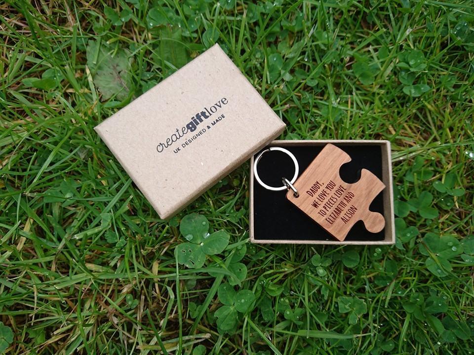 create gift love wooden keyring