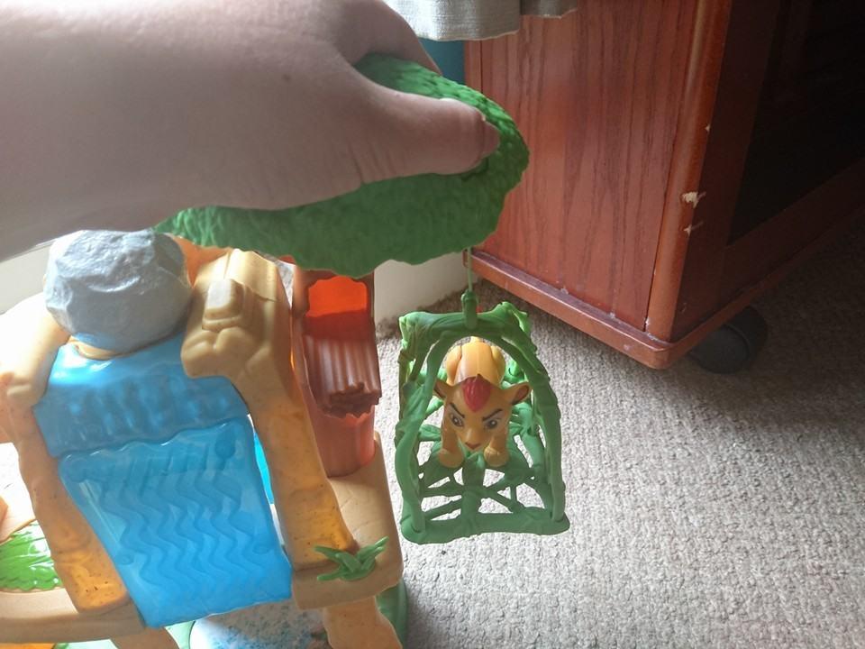 Lion guard defend the pride lands button three