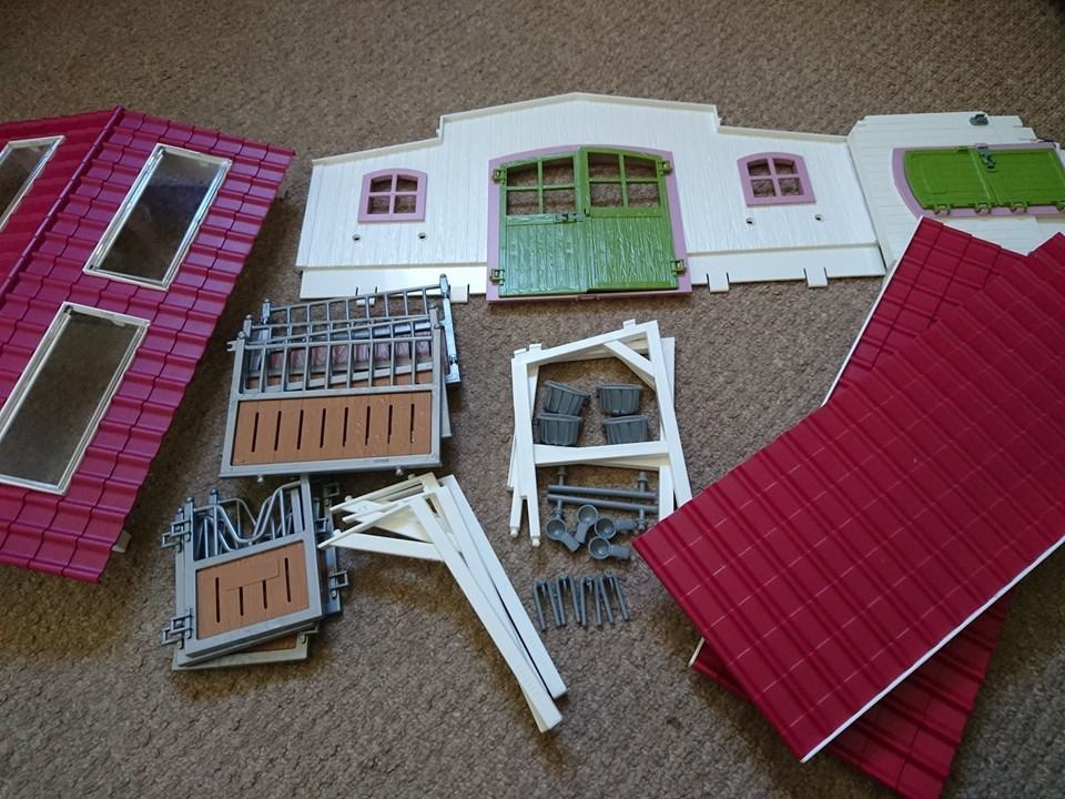 Schleich horse club stables not