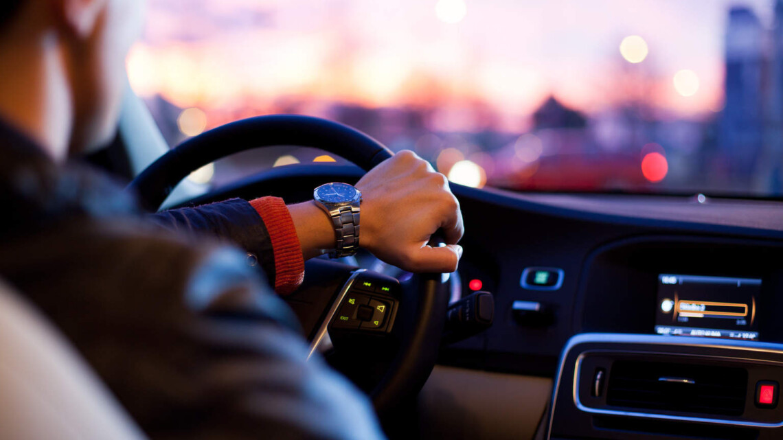 Driving in the UK: Top Tips and Tricks for Visitors and New Drivers