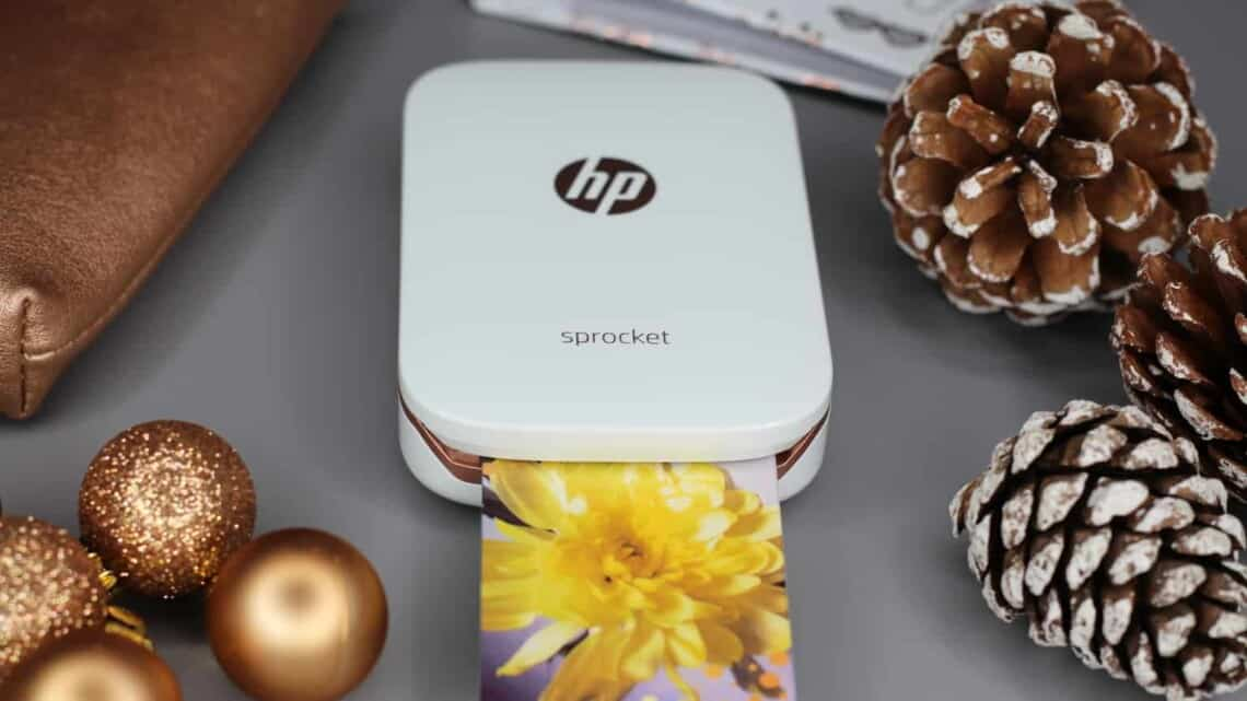 Still looking for that perfect teen gift? Check out the HP Sprocket Bundle #ad